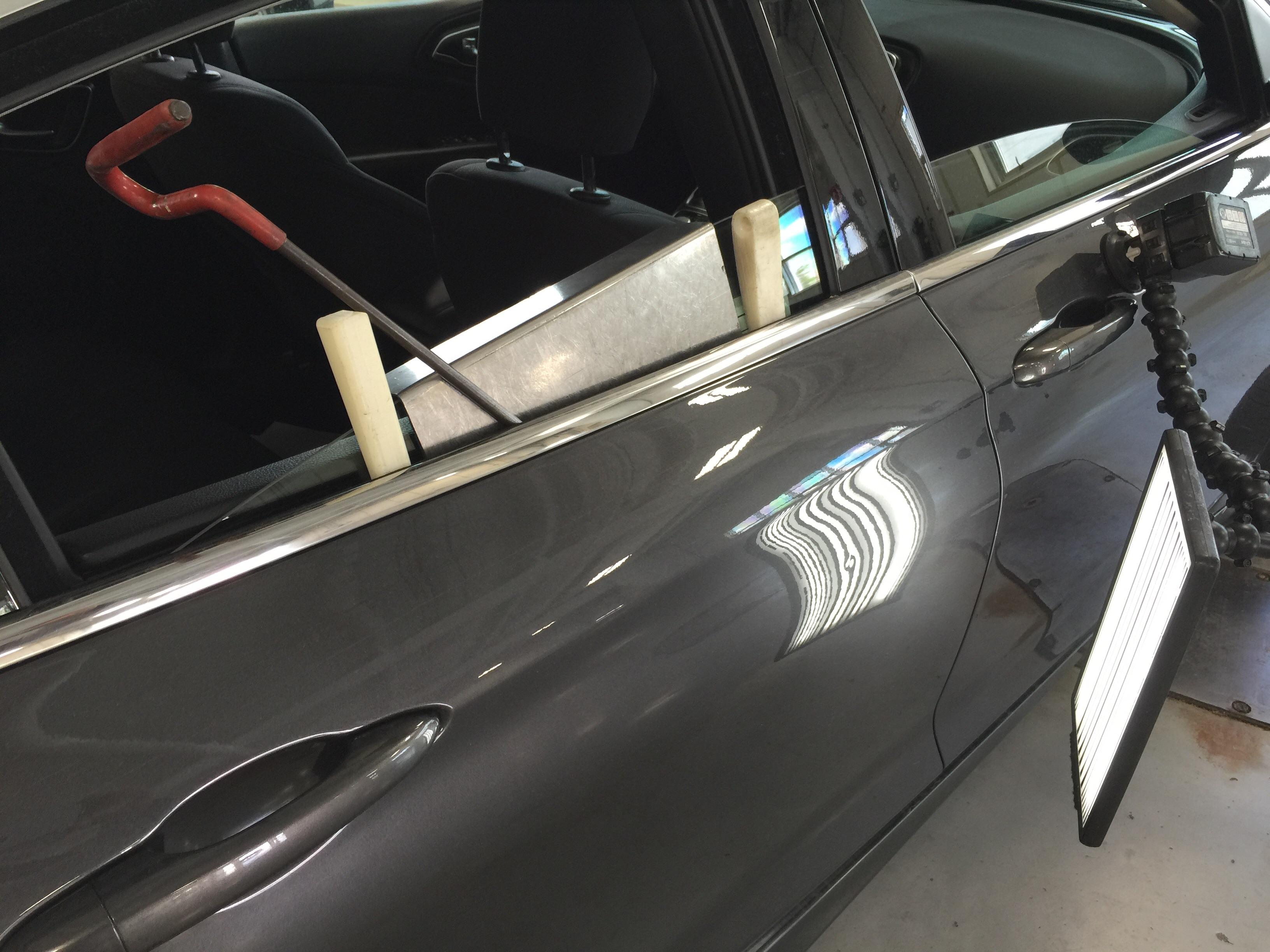 Paintless Dent Removal Cost >> 2015 Chrysler 200 Gray Metallic | Dent On Passenger Side ...
