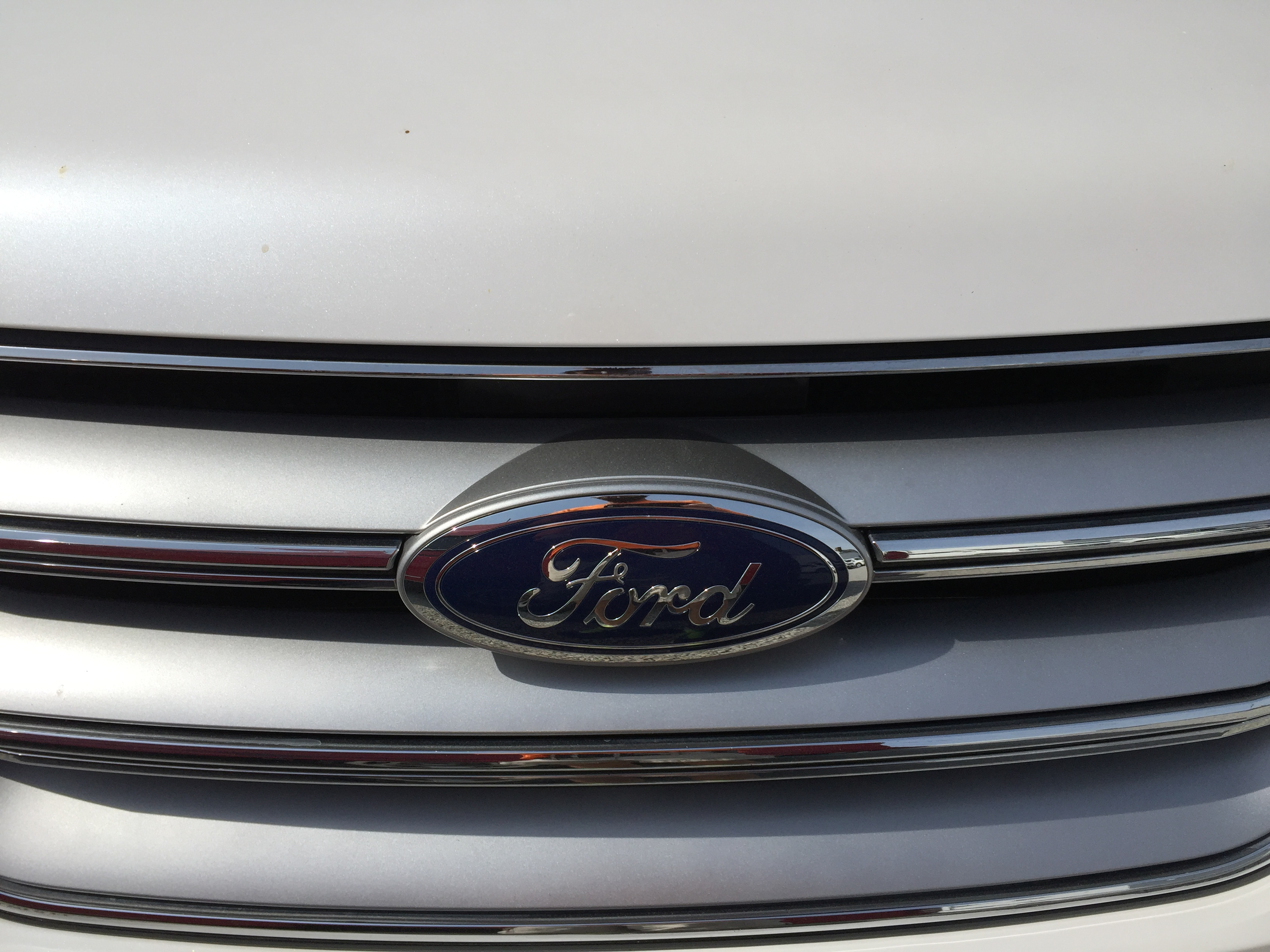 Springfield Dent Repair, Dent Removal, Hail Repair, 2015 Ford Edge Body Line Dent, Repair in Springfield IL, http://217dent.com