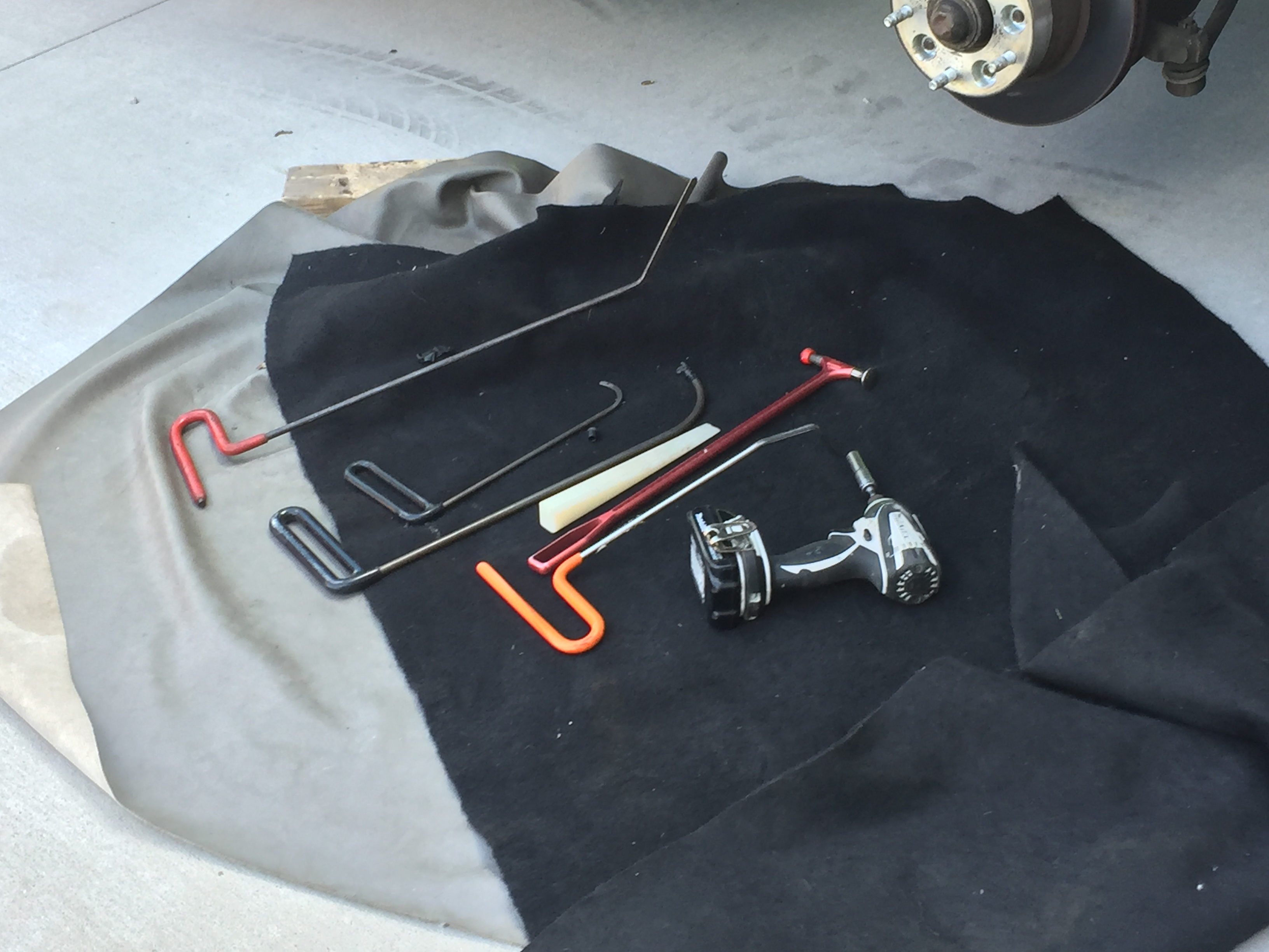 1994 Chevy Caprice, Paintless Dent Removal, Passenger Fender, Springfield, Illinois, Mobile Dent Repair http://217dent.com Tools Used in this repair