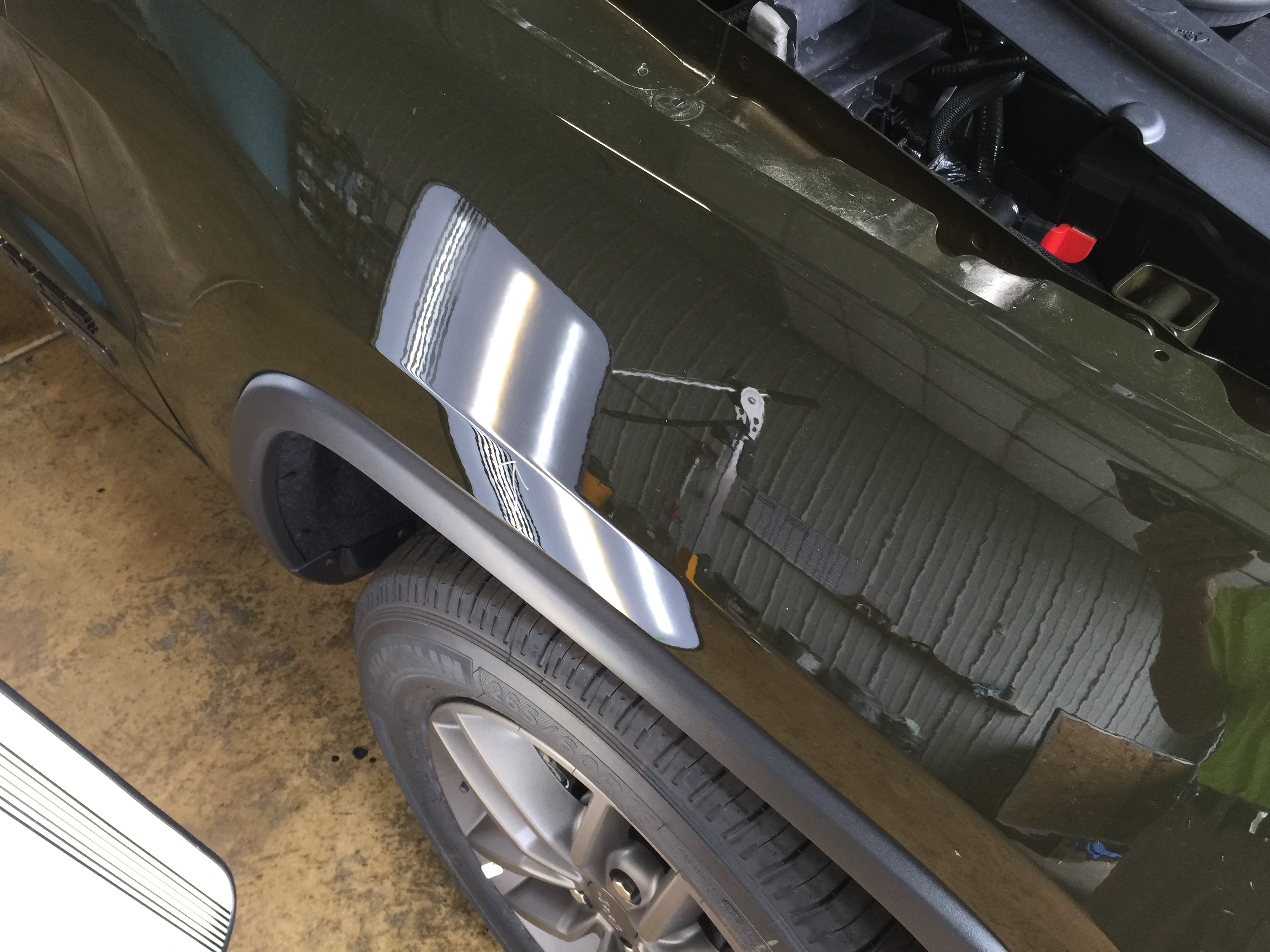 2016 Jeep Grand Cherokee Fender Dent Removed with Paintless Dent Removal, Springfield, IL, http://217dent.com