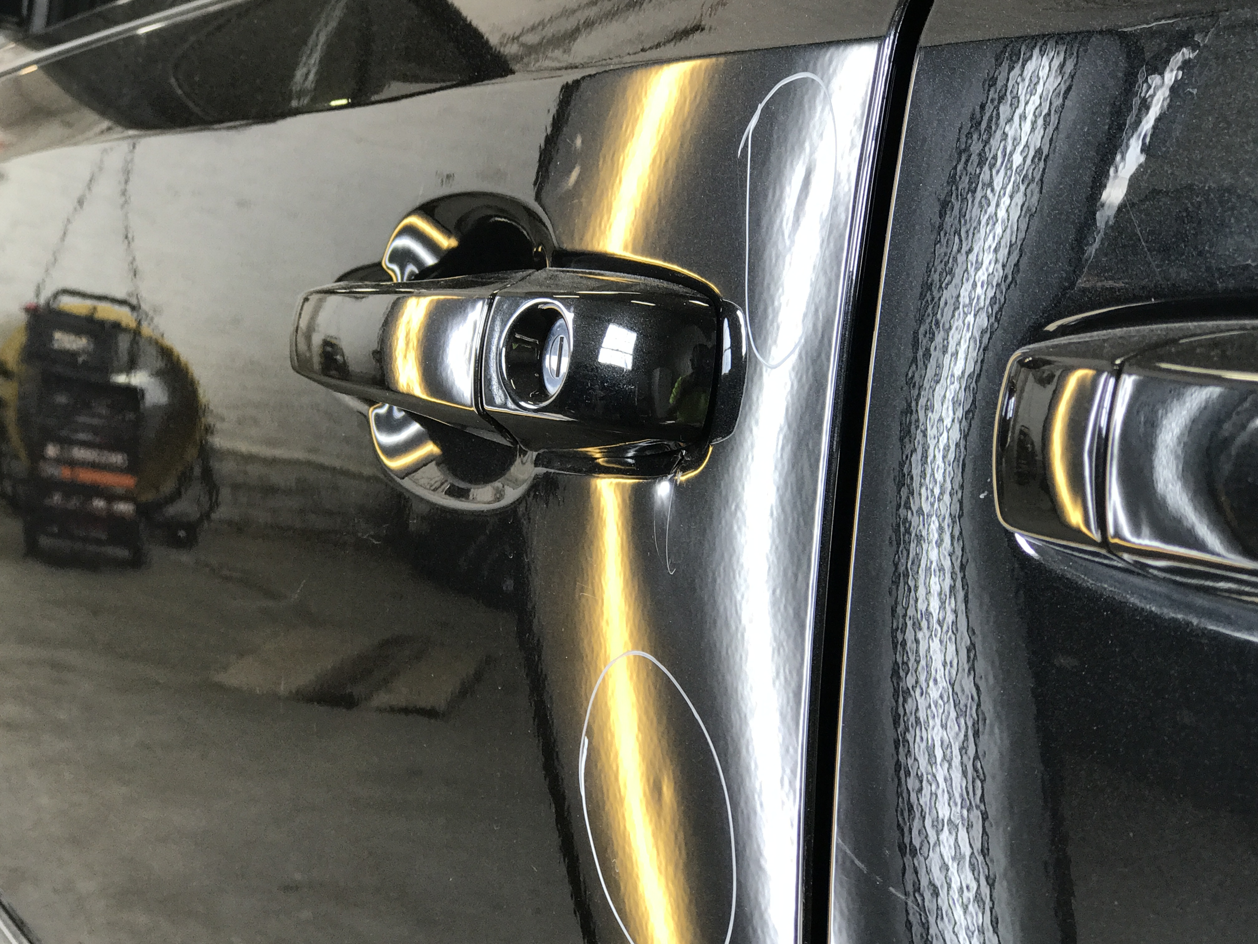2016 Chrysler Town & Country, Dent removal. Http://217dent.com Before Image