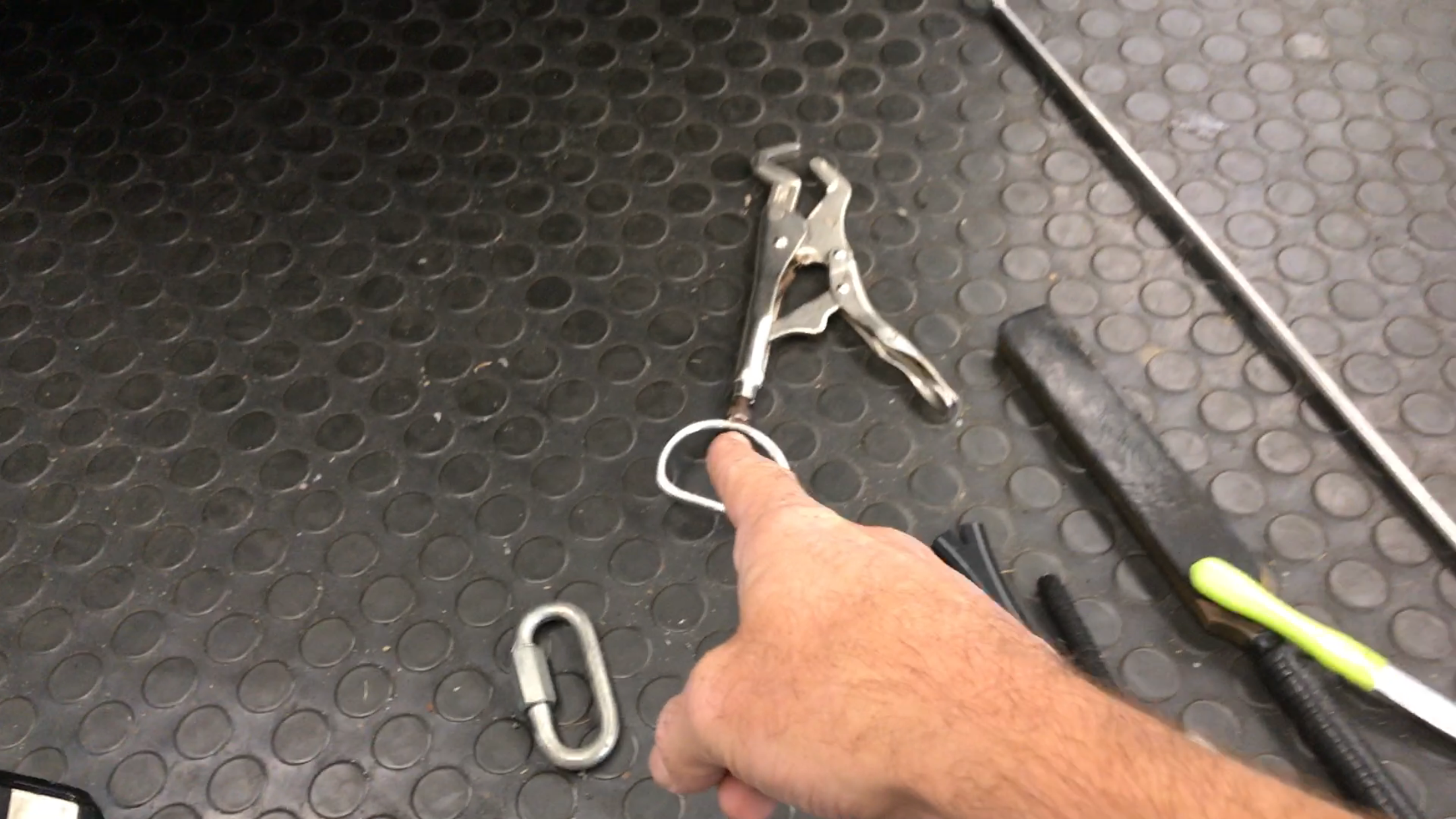 Door Jam Tool. Holds the deck lid secure. http://217dent.com Springfield, IL